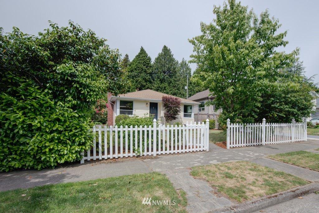 Photo of 4141 47th Avenue SW, Seattle, WA 98116 (MLS # 1789207)