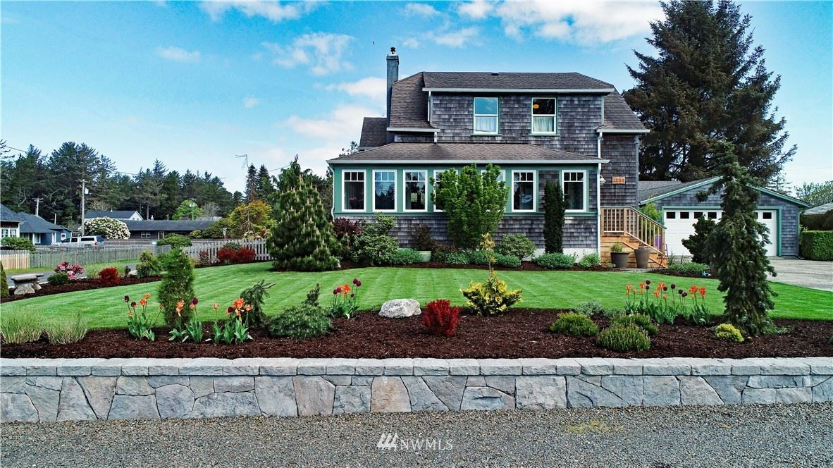 Photo of 1203 33rd St, Seaview, WA 98644 (MLS # 1439209)