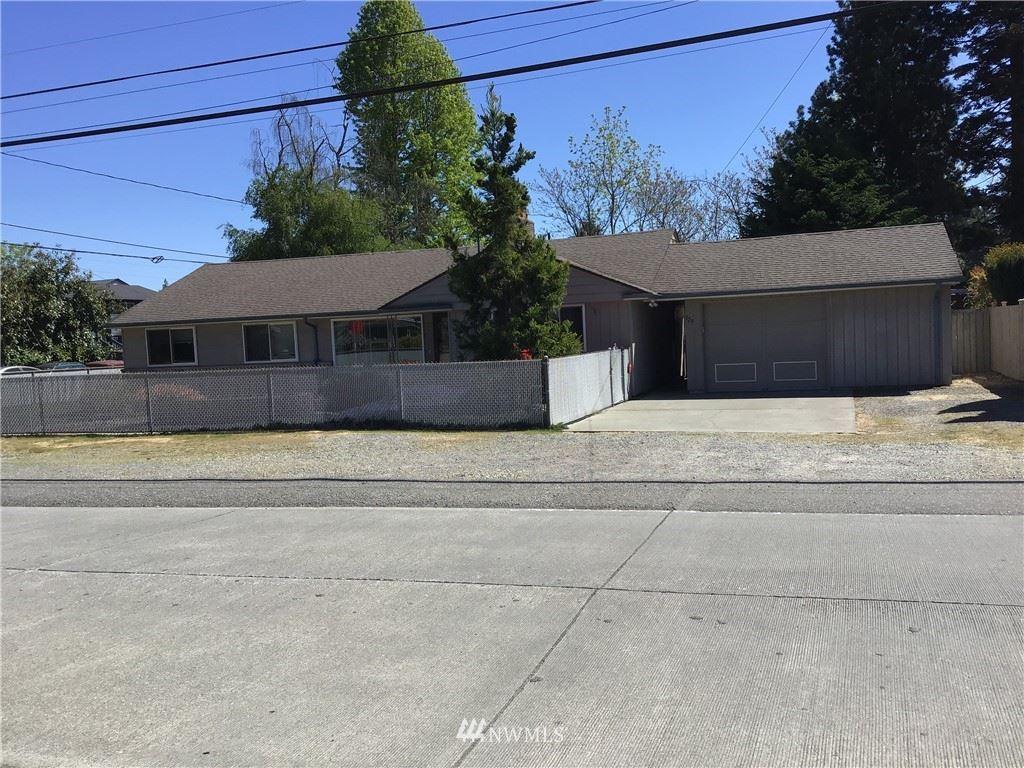 Photo of 523 N 143rd Street, Seattle, WA 98133 (MLS # 1774209)
