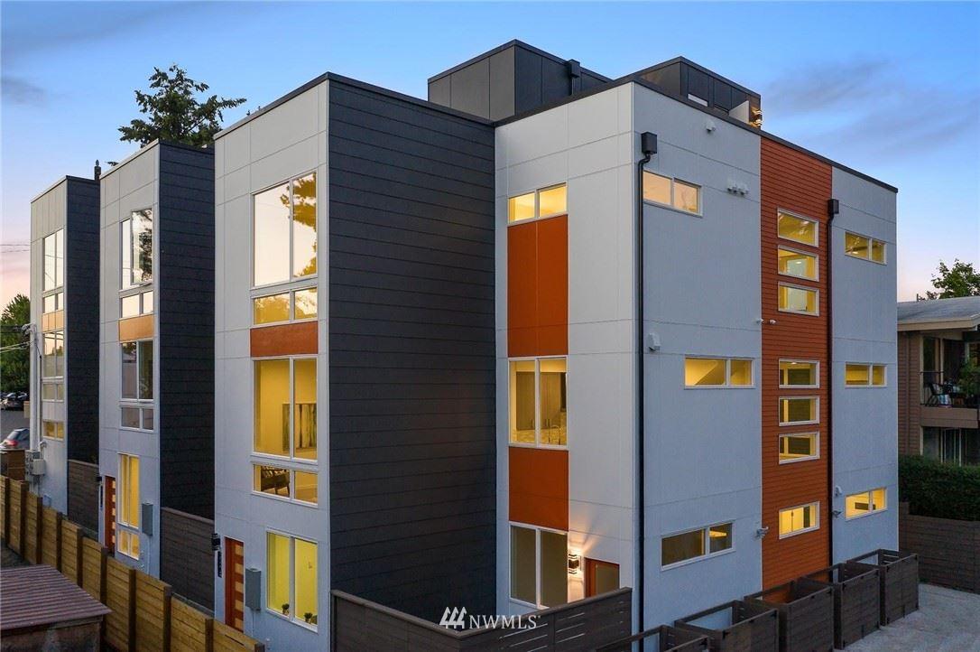 Photo of 3019 NE 120th Street, Seattle, WA 98125 (MLS # 1639210)