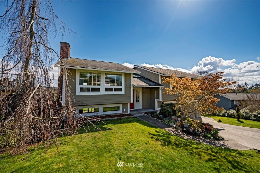 Photo of 21420 4th Place S, Des Moines, WA 98198 (MLS # 1753218)