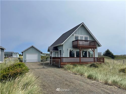 Photo of 1368 N Jetty Avenue SW, Ocean Shores, WA 98569 (MLS # 1814219)
