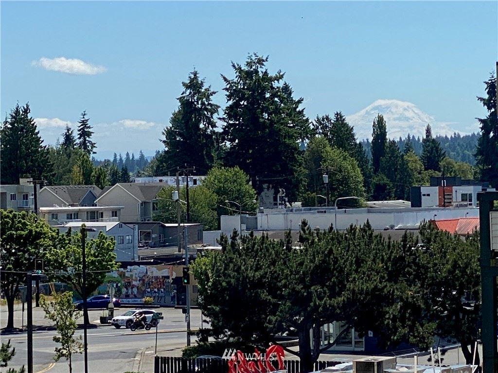 Photo of 2805 NE 125th Street #406, Seattle, WA 98125 (MLS # 1780222)