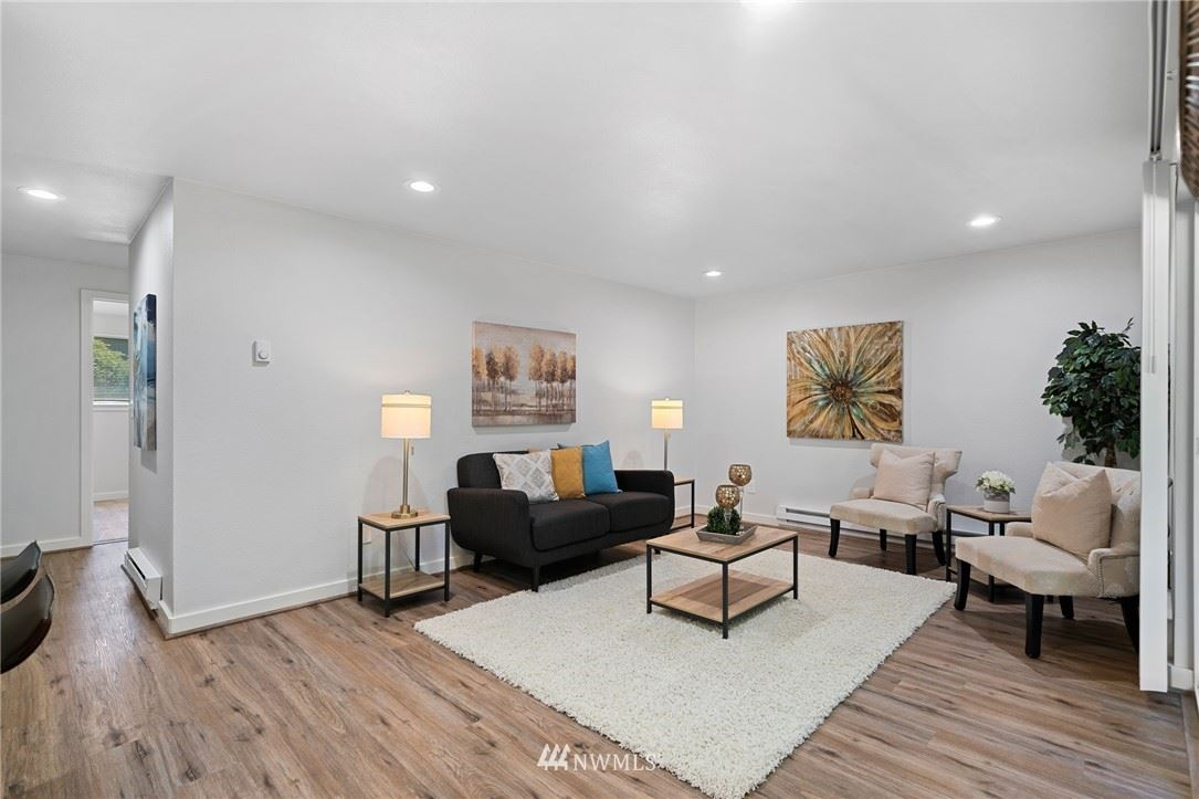 Photo of 32133 45th Place SW #F1, Federal Way, WA 98023 (MLS # 1771224)