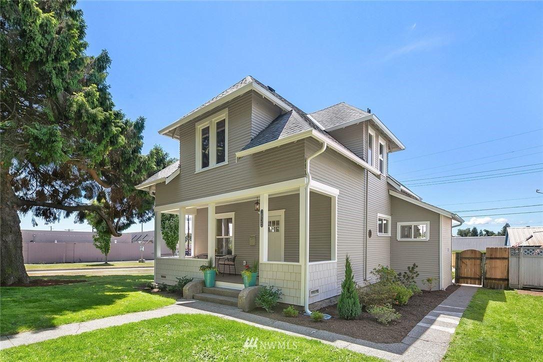Photo of 1932 Mcdougall Avenue, Everett, WA 98201 (MLS # 1794224)
