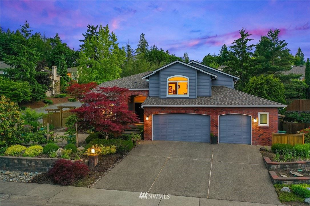 Photo of 535 NW Datewood Dr, Issaquah, WA 98027 (MLS # 1789227)