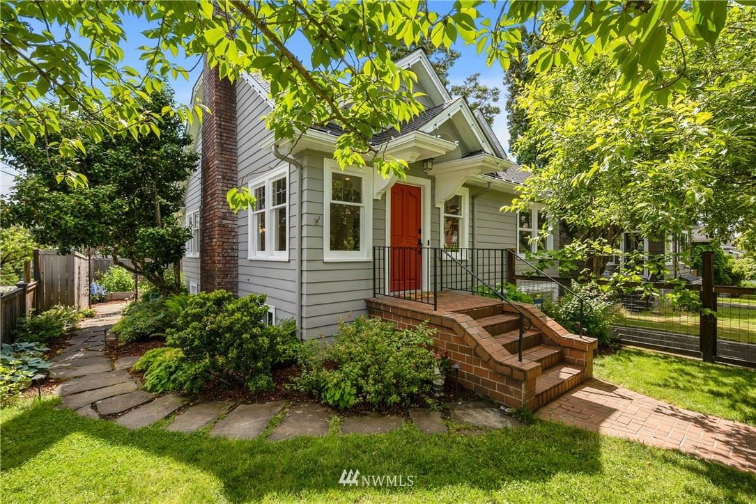 Photo of 5756 34th Avenue NE, Seattle, WA 98105 (MLS # 1790228)