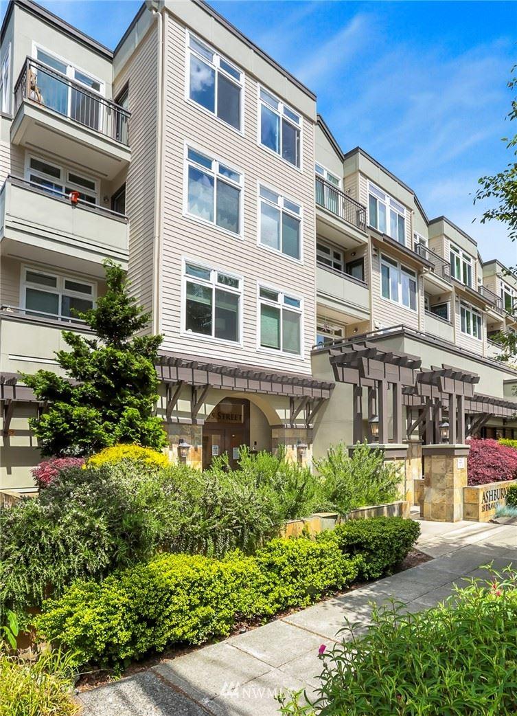 Photo of 18 Dravus Street #403, Seattle, WA 98109 (MLS # 1787231)