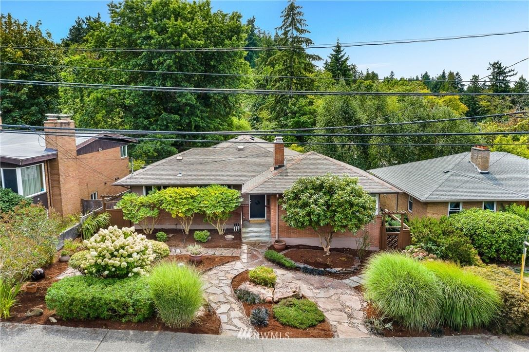 Photo of 4109 SW Barton Street, Seattle, WA 98136 (MLS # 1679232)