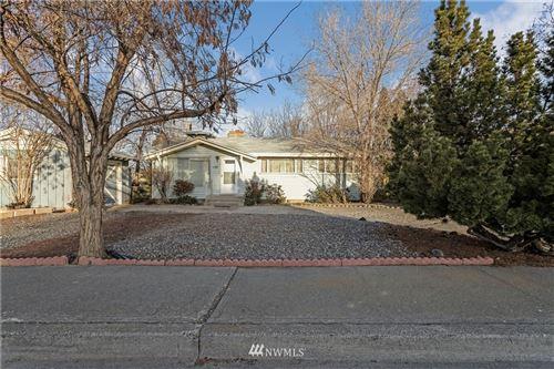 Photo of 124 N Hemlock Street, Soap Lake, WA 98851 (MLS # 1736235)
