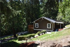 Photo of 2716 Columbia Heights Rd, Longview, WA 98632 (MLS # 1495238)