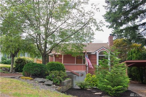 Photo of 325 N 138th St, Seattle, WA 98133 (MLS # 1631239)