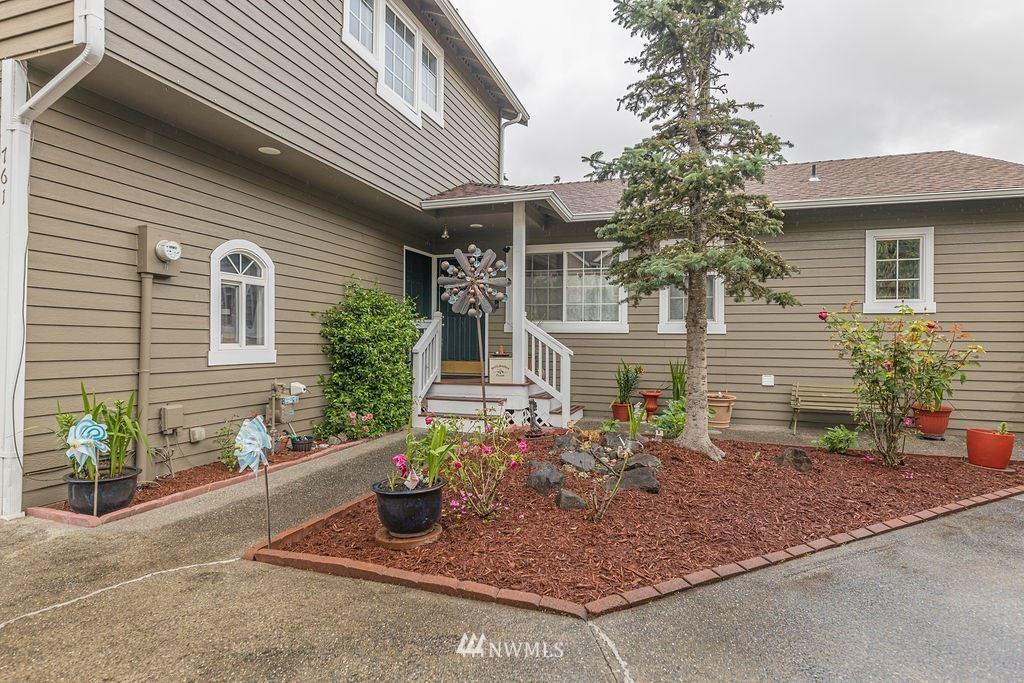 Photo of 761 Vashon Place NE, Renton, WA 98059 (MLS # 1792241)