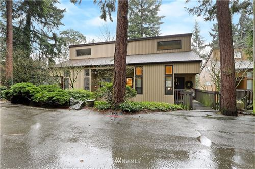 Photo of 10925 NE 37th Place #4, Bellevue, WA 98004 (MLS # 1715243)