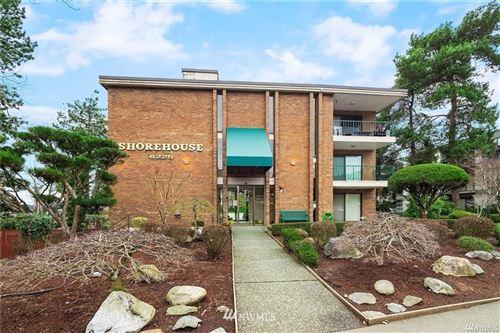 Photo of 6225 Lake Washington Boulevard NE #304, Kirkland, WA 98033 (MLS # 1791245)