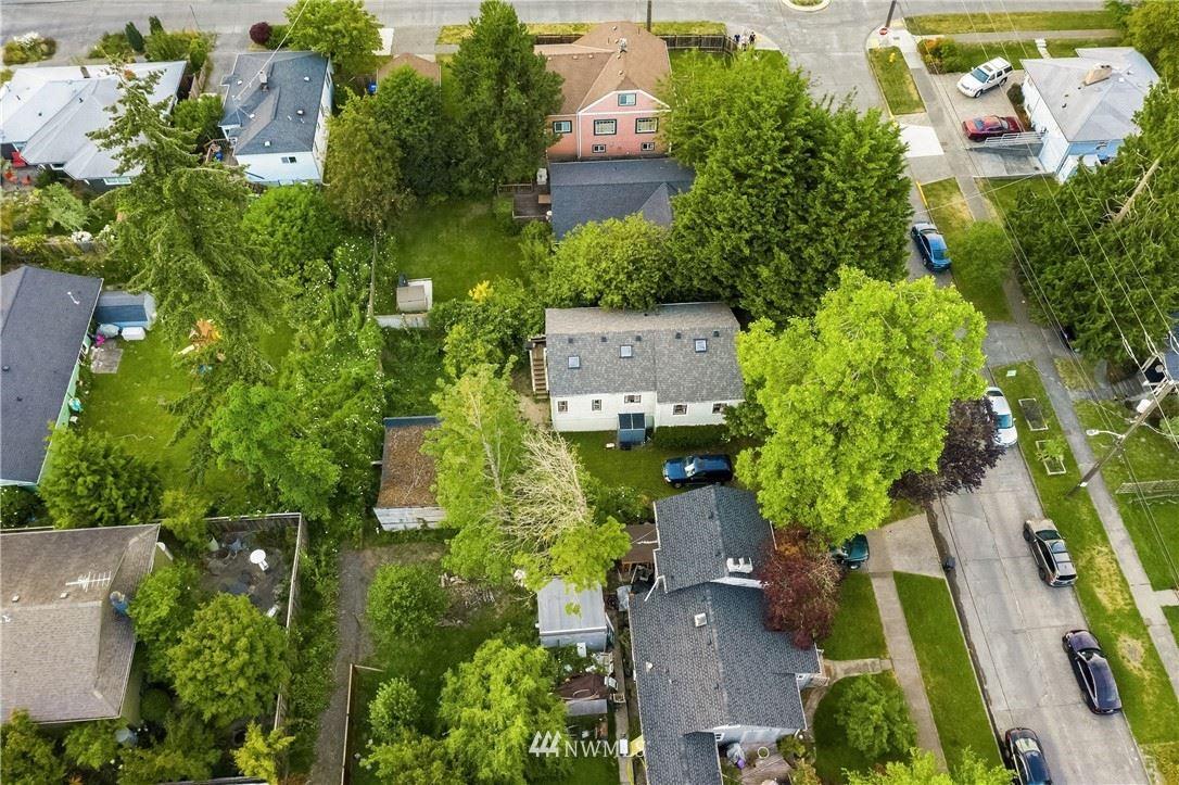 Photo of 9547 Wallingford Avenue N, Seattle, WA 98103 (MLS # 1719248)