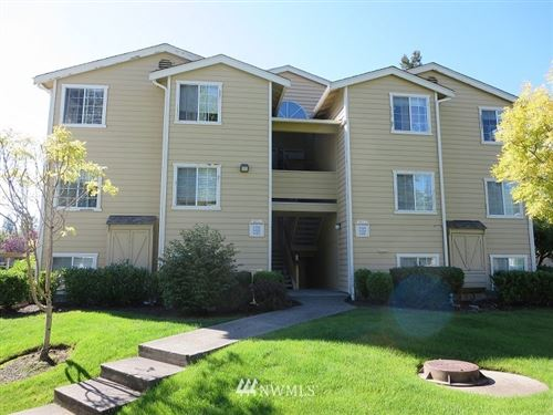 Photo of 28300 18th Avenue S #V 104, Federal Way, WA 98003 (MLS # 1666249)