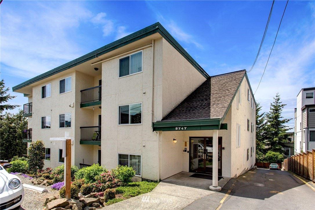 Photo of 8747 Phinney Avenue N #9, Seattle, WA 98103 (MLS # 1782251)