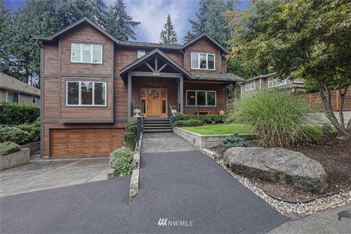 Photo of 10015 NE 28th Place, Bellevue, WA 98004 (MLS # 1693253)