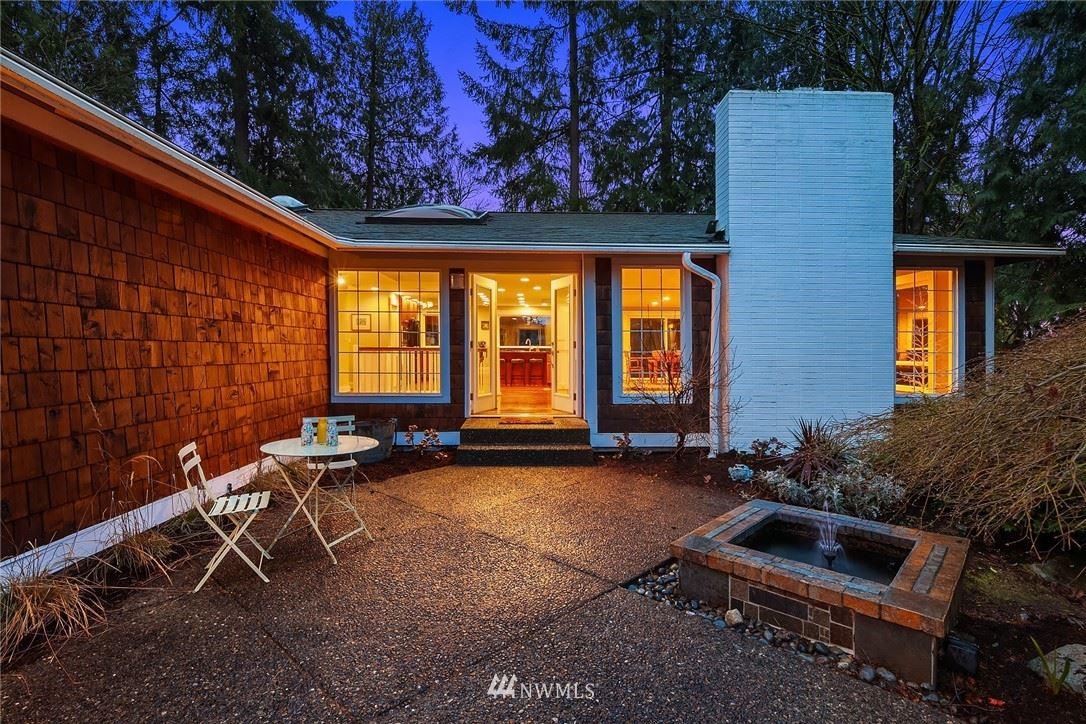 Photo of 10135 NE 112th Place, Kirkland, WA 98033 (MLS # 1746253)
