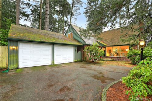 Photo of 343 NE 178th St, Shoreline, WA 98155 (MLS # 1548255)