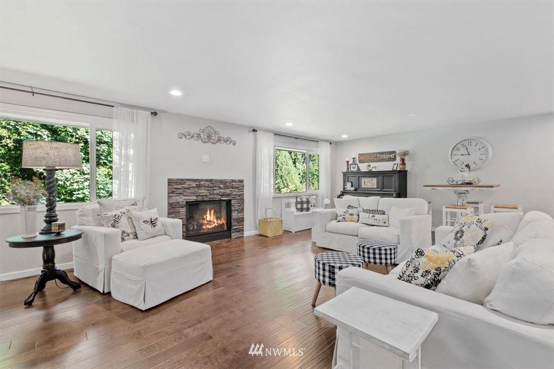 Photo of 404 E View Ridge Drive, Everett, WA 98203 (MLS # 1786257)