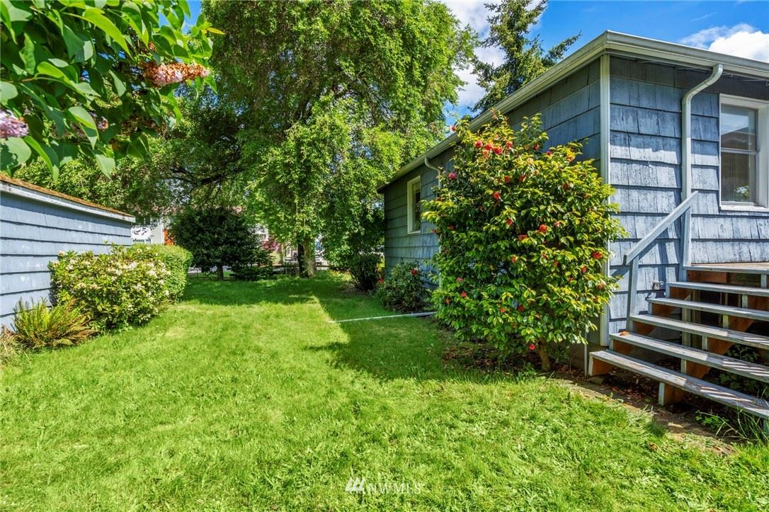 Photo of 11757 Fremont Avenue N, Seattle, WA 98133 (MLS # 1778263)