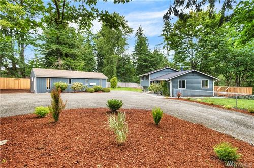 Photo of 16710 230th Ave SE, Maple Valley, WA 98038 (MLS # 1624264)