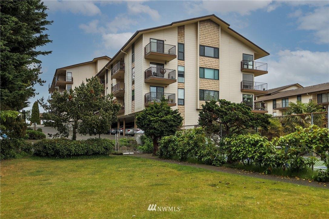 Photo of 13229 Linden Avenue N #406B, Seattle, WA 98133 (MLS # 1768266)