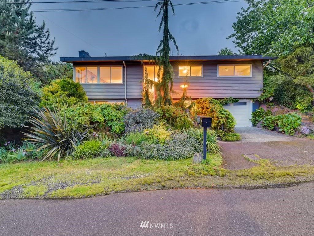 Photo of 3520 S Thistle Street, Seattle, WA 98118 (MLS # 1771266)