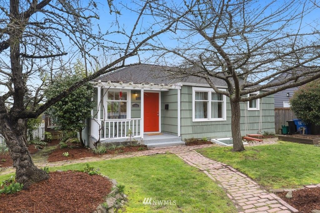 Photo of 7302 28th Avenue SW, Seattle, WA 98126 (MLS # 1726268)