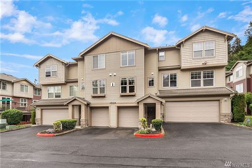 Photo of 15325 SE 155th Place #I-3, Renton, WA 98058 (MLS # 1601269)
