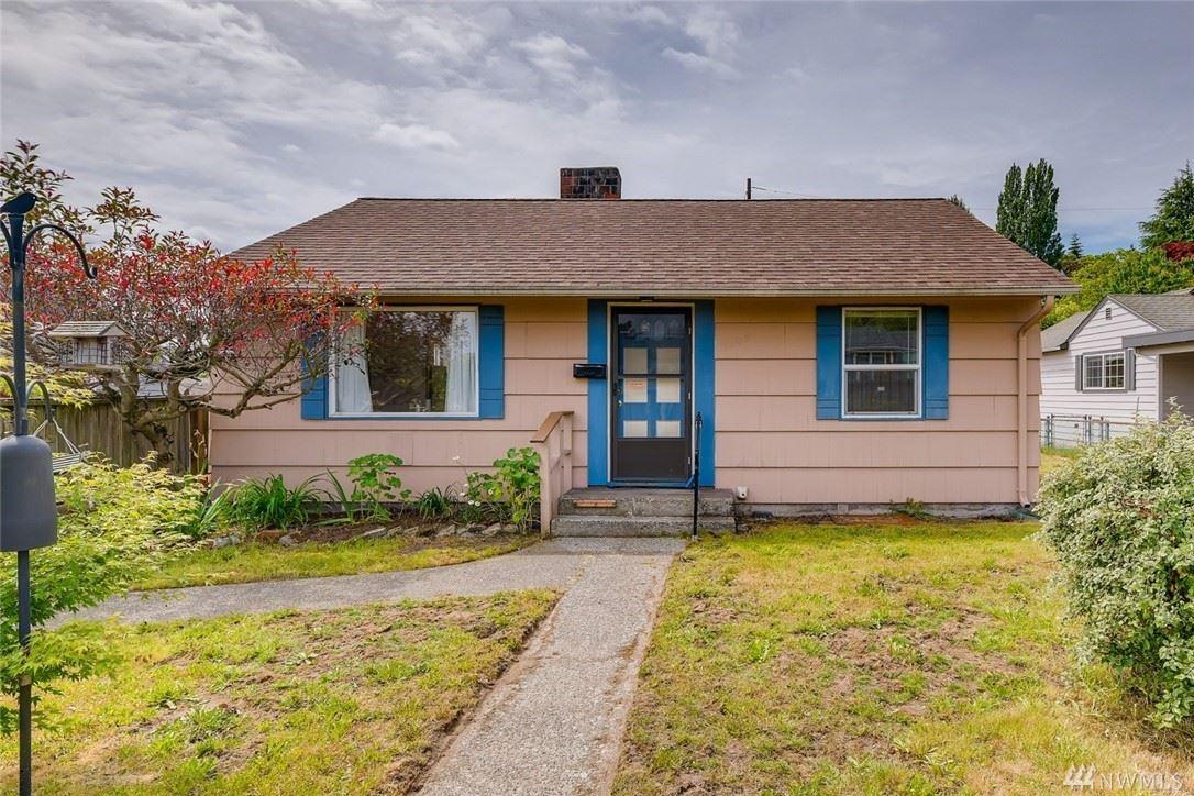 Photo of 3009 SW Roxbury Street, Seattle, WA 98126 (MLS # 1602269)