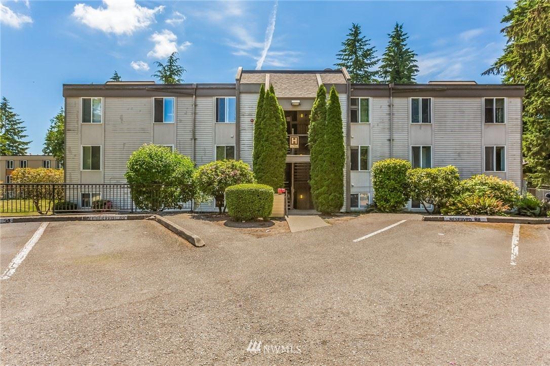 Photo of 14605 NE 34th Street #H21, Bellevue, WA 98007 (MLS # 1786269)