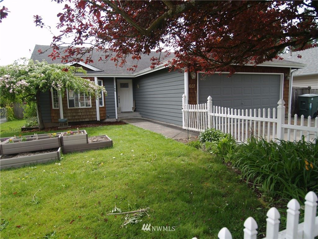 Photo of 607 Hillcrest Drive, Snohomish, WA 98290 (MLS # 1764270)