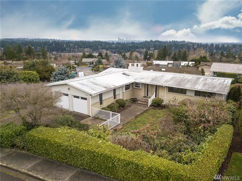 Photo of 12200 SE 18th Place, Bellevue, WA 98005 (MLS # 1557271)