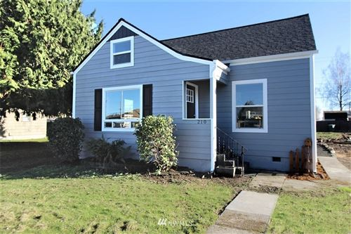 Photo of 210 15th Avenue, Longview, WA 98632 (MLS # 1694271)