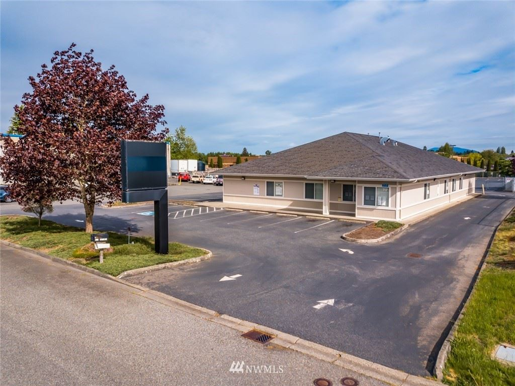 Photo of 717 Bennett Road, Burlington, WA 98233 (MLS # 1768271)