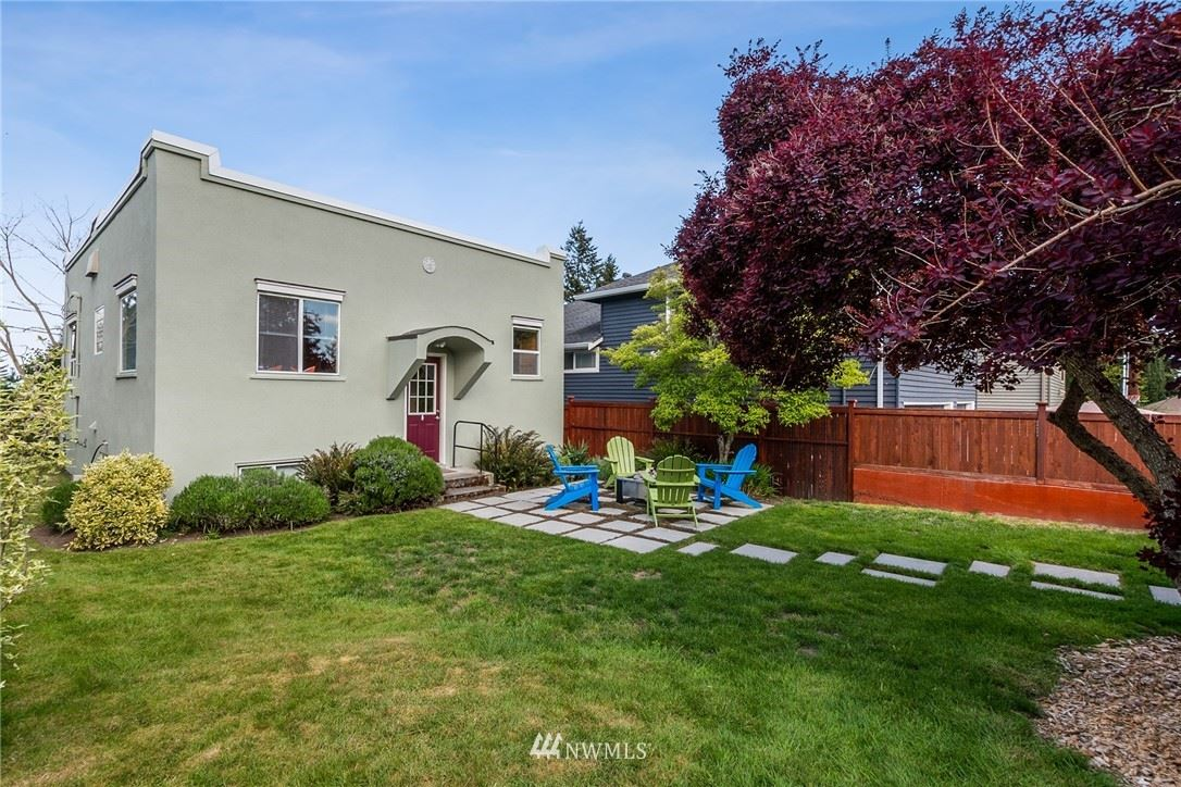 Photo of 10010 44th Avenue SW, Seattle, WA 98146 (MLS # 1779272)