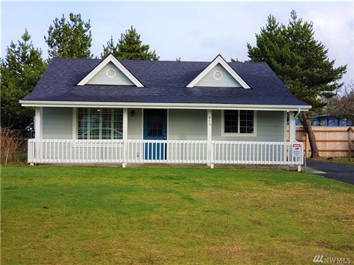 Photo of 809 338th Place, Ocean Park, WA 98640 (MLS # 1594274)