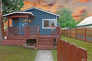 Photo of 3915 SW 102nd St, Seattle, WA 98146 (MLS # 1401275)
