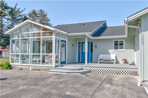 Photo of 1207 314th Place, Ocean Park, WA 98640 (MLS # 1755275)