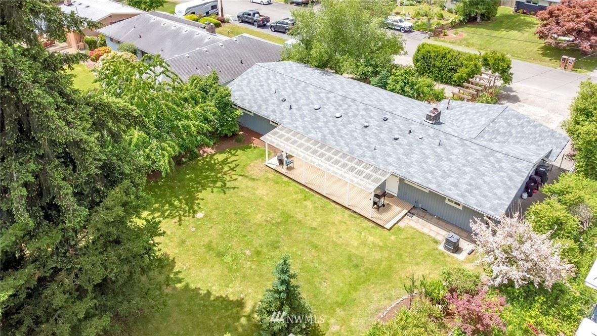 Photo of 25716 135th Place SE, Kent, WA 98042 (MLS # 1790275)
