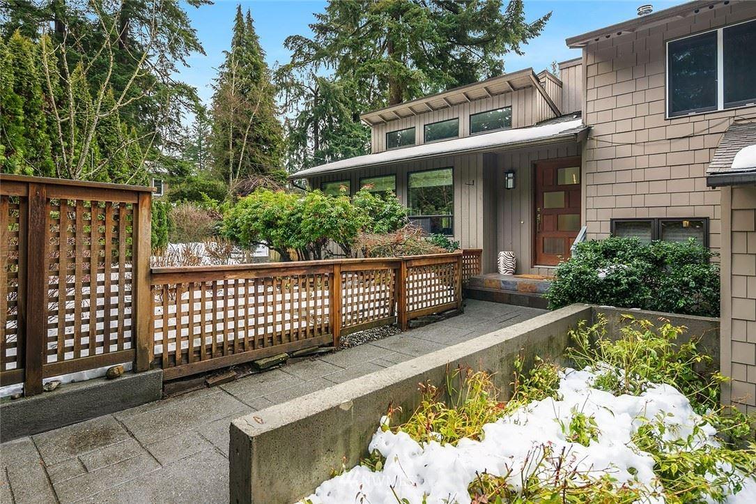 Photo of 10529 SE 30th Street, Bellevue, WA 98004 (MLS # 1730276)