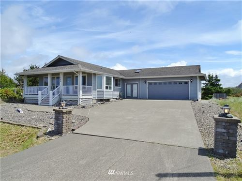 Photo of 1060 Greenview Avenue SW, Ocean Shores, WA 98569 (MLS # 1791279)