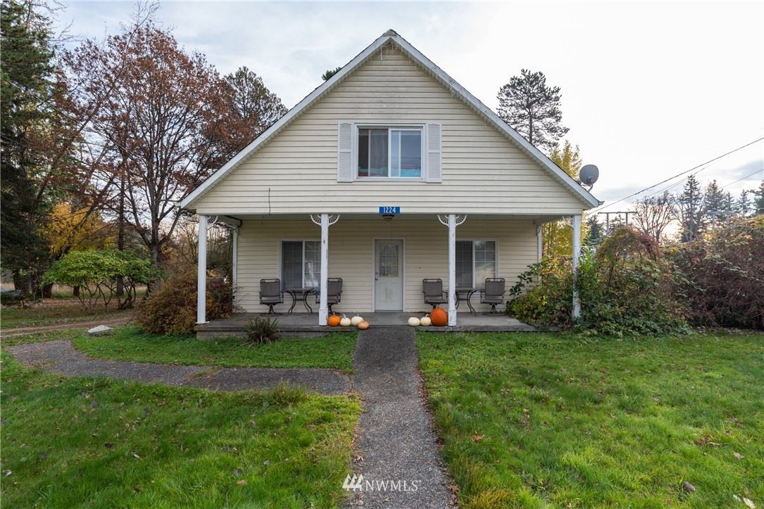 Photo of 1308 E Blackburn Rd, Mount Vernon, WA 98274 (MLS # 1629280)