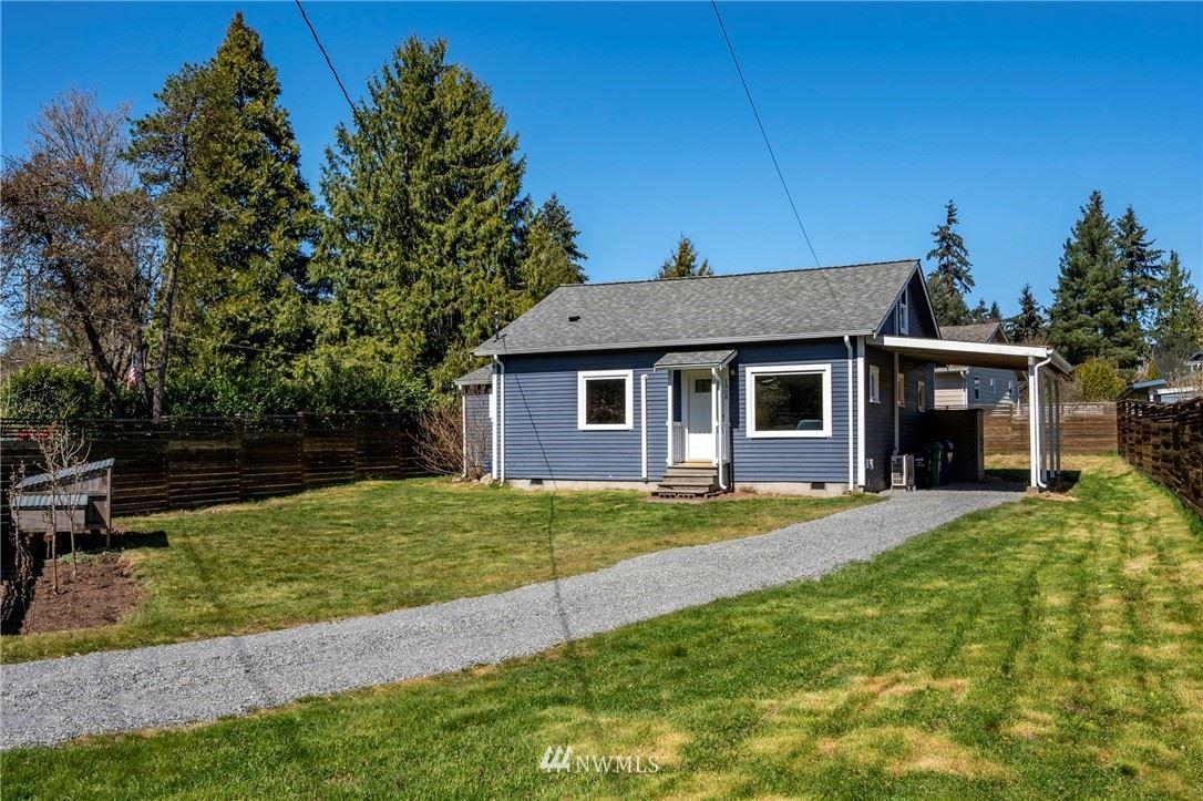 Photo of 1908 NE 130th Place, Seattle, WA 98125 (MLS # 1757282)