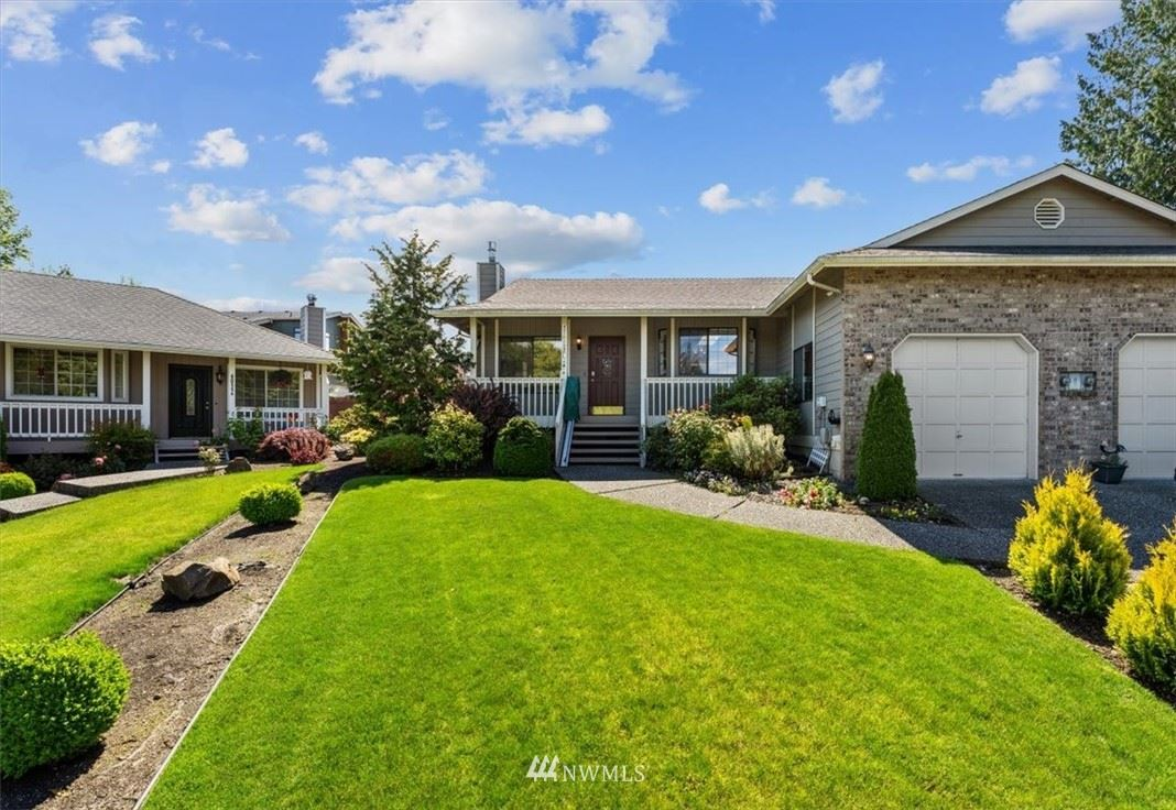 Photo of 4010 134th Place SW #A, Lynnwood, WA 98087 (MLS # 1788284)