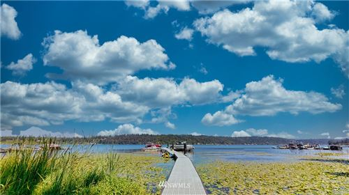 Photo of 4050 W Lake Sammamish Pkwy NE #305, Redmond, WA 98052 (MLS # 1640286)