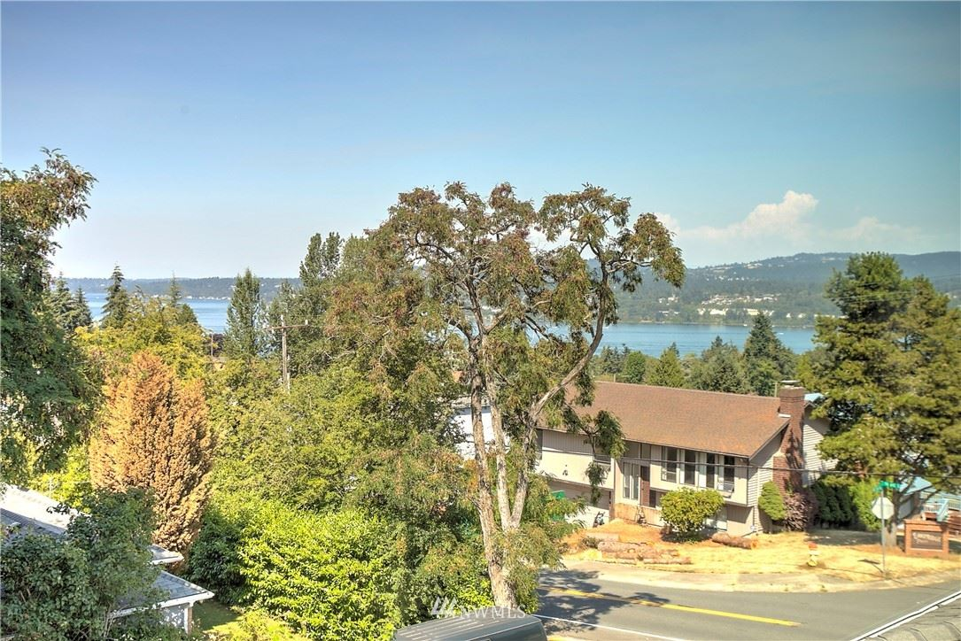 Photo of 7725 S 115th Place, Seattle, WA 98178 (MLS # 1682290)